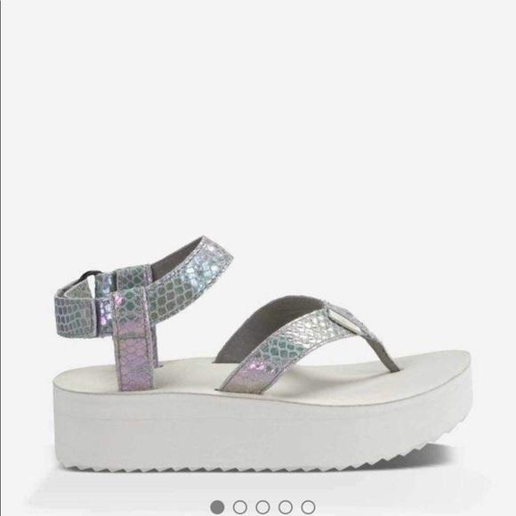 2a1d1f9a644 TEVA Flatform Sandal in Iridescent grey